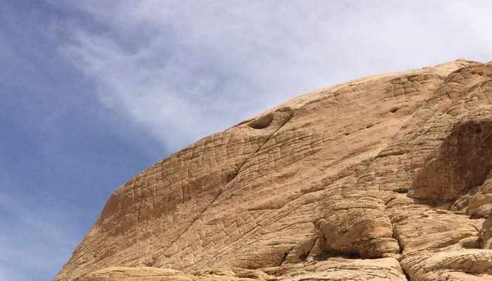 fknhard-magazine-red-rock-strip-las-vegas-nevada-hiking-mountain-panoramic-wide-lens-climbing-trails-runner-hike-valentina-zuniga-black-shirt-cliff-bushes-blue-skies-two-vegas-girls-wilderness1